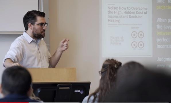 Daniel Katz, Founder & Director de The Law Lab @ Illinois Tech (Chicago Kent College of Law) y cofundador de LexPredict