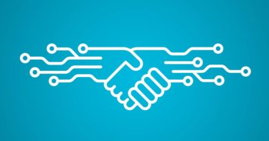La imagen refleja lo que significa la irrumpción de los smart contracts y de la tecnología blockchain en general. Acuerdos en la red donde la intervención del abogado se restringe y